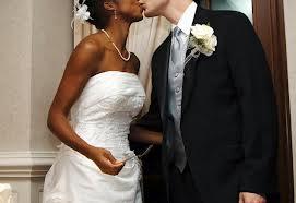 Matrimonio interracial biblia